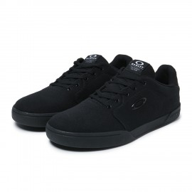 OAKLEY CANVAS FLYER SNEAKER Blackout - 9.5 - 13551-02E-9.5