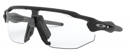 OCHRANNÉ SPORTOVNÍ FOTOCHROMATICKÉ SLUNEČNÍ BRÝLE - OAKLEY RADAR EV ADVANCER - MATTE BLACK / CLEAR-BLACK IRIDIUM PHOTOCHROMIC - OO9442-0638